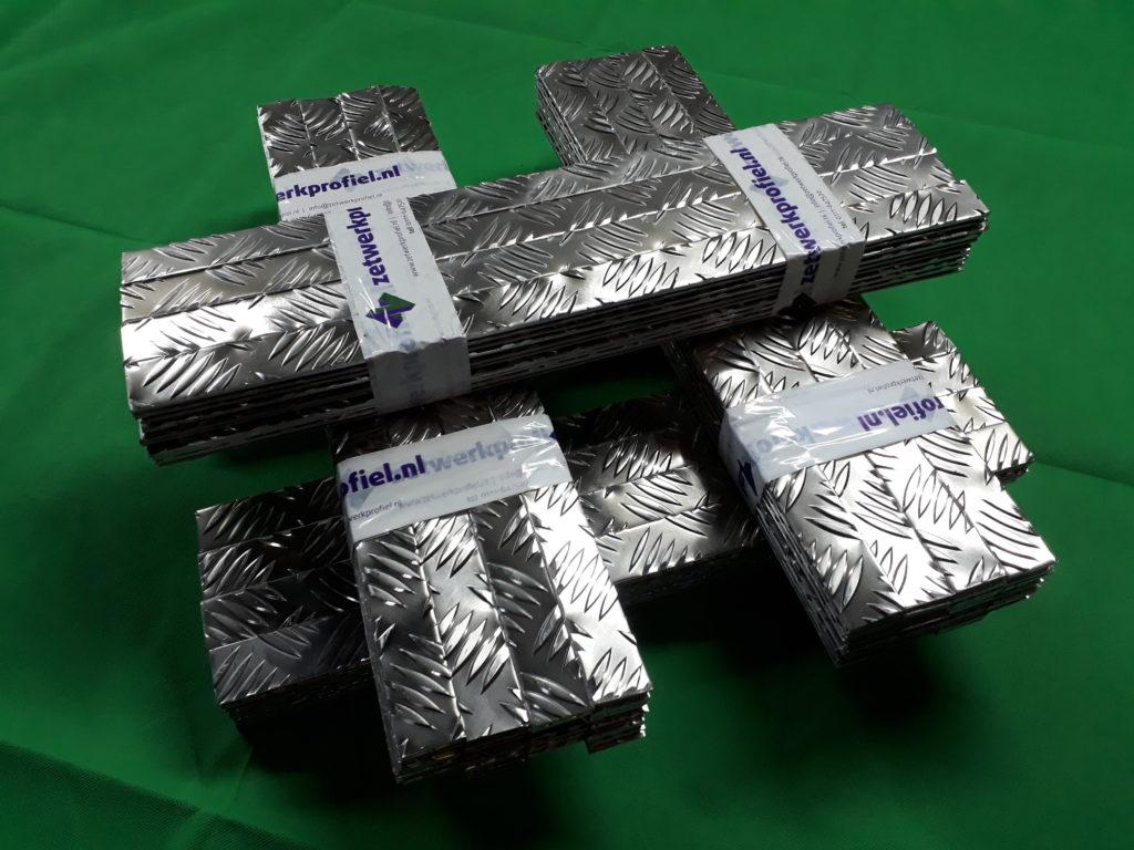 Aluminium traanplaat op maat bestellen